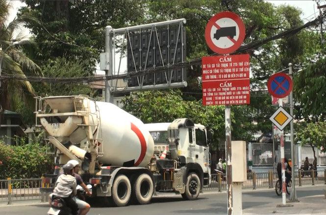 Cấm xe tải vào nội thành Sài Gòn theo khung giờ từ 1/8.