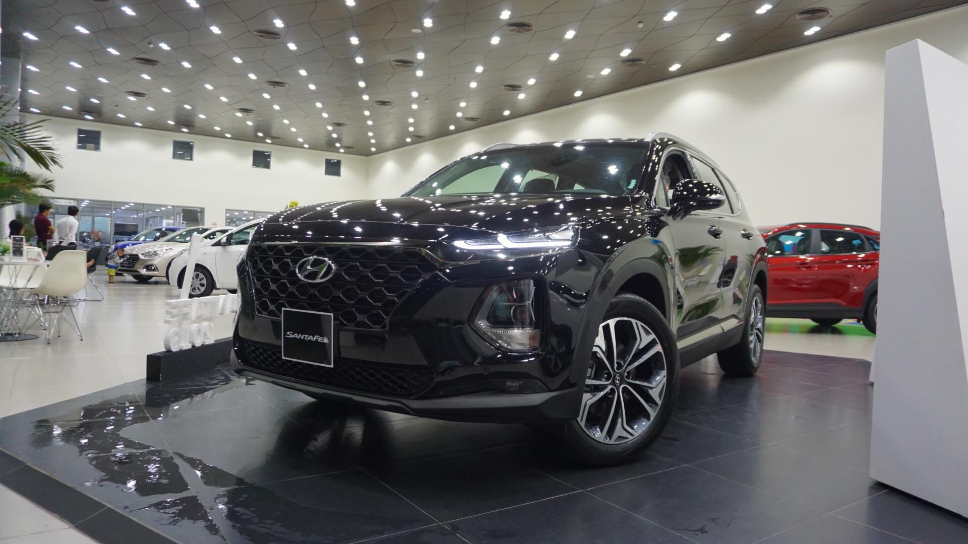 xe hot Hyundai Santa Fe