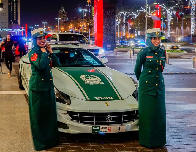 Nhung sieu xe trieu do sang chanh nhat Dubai hinh anh 1