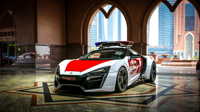 Những siêu xe triệu đô sang chảnh nhất Dubai