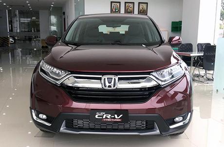 Honda CR-V tại đại lý.