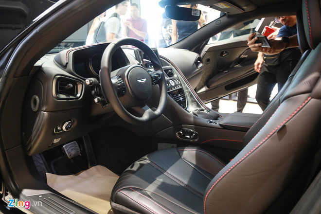 Sieu xe Aston Martin DB11 vua ra mat tai VN, gia 15,7 ty dong hinh anh 9