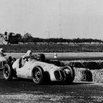 Chuyện vắn F1 (P2): Chiến tranh thế giới thứ 2, nước Anh, Northampton và Mercedes