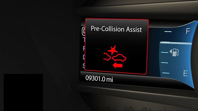 Hệ thống cảnh báo va chạm trên ô tô