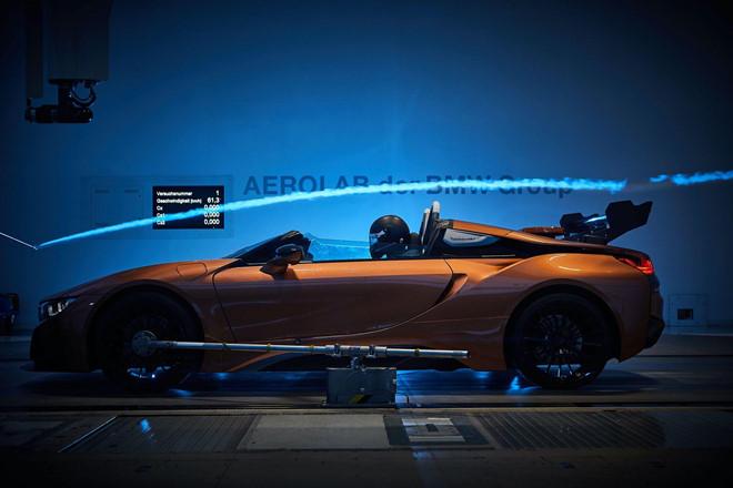 BMW i8 Roadster lot xac thanh Safety Car tai giai dua Formula E hinh anh 3