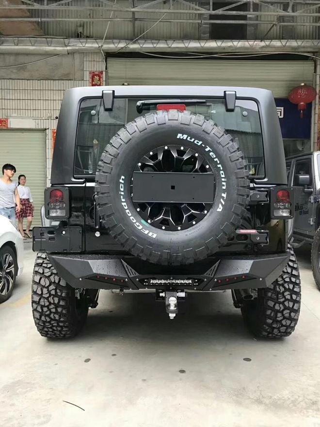Jeep Wrangler Rubicon ham ho voi goi do offroad gan 600 trieu hinh anh 6