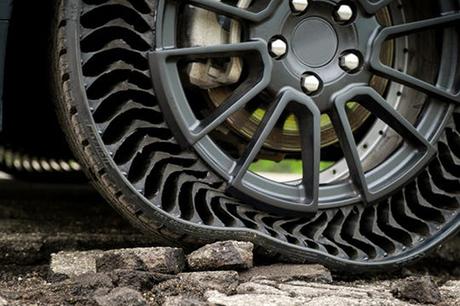 Lốp không tránh bị thủng.
