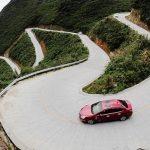Những lưu ý cần biết khi đi ô tô trên đường đèo núi