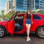 Á hậu Dương Tú Anh cá tính bên Audi Q3 thế hệ mới