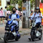 Học sinh phải có giấy phép lái xe mới được đi xe đạp điện, xe máy