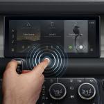 """Jaguar Land Rover phát triển màn hình cảm ứng """"dự đoán chạm"""""""