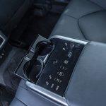 So sánh Toyota Camry và Mazda 6:  Người dùng cần gì trong không gian nội thất xe hạng D?