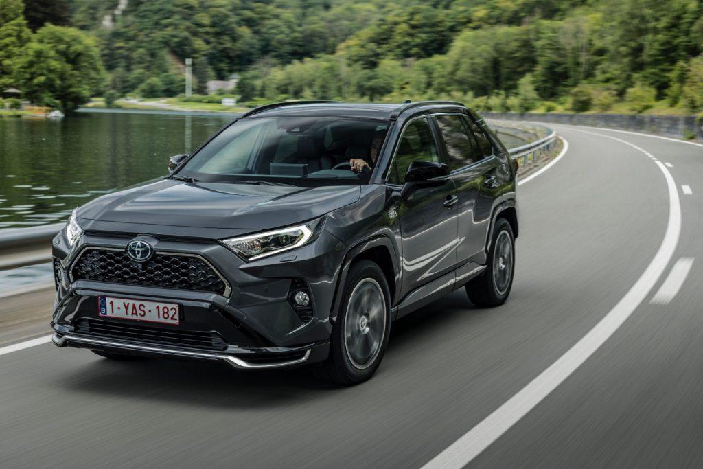 SUV Toyota mạnh 302 mã lực siêu tiết kiệm nhiên liệu thân thiện với môi trường