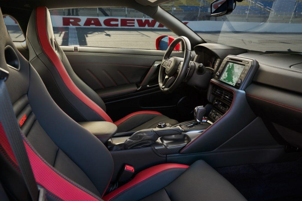 """Nissan tung """"con cưng"""" Nissan GT-R Nismo 2021 mạnh tới 600 mã lực nhờ """"bộ thần kỳ"""""""