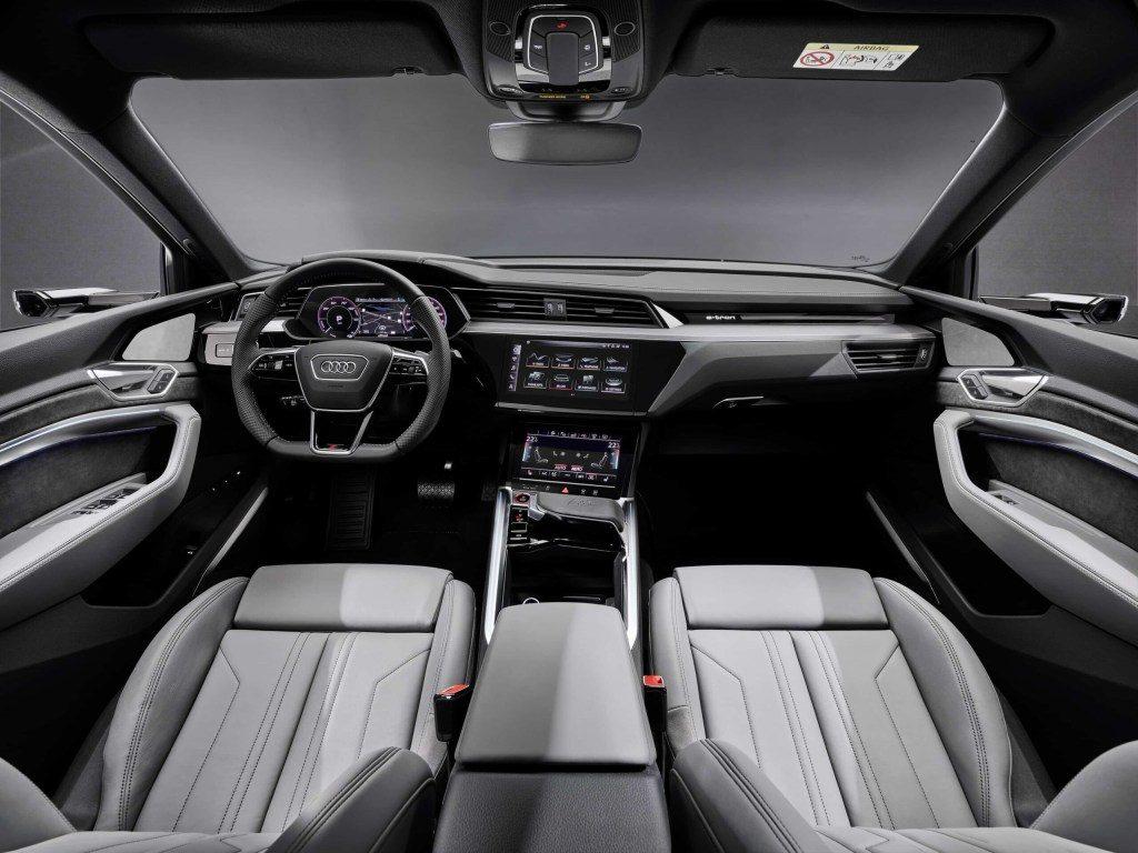 Audi E-Tron S 2021 trình làng với bộ động cơ lạ lần đầu có trên thị trường thương mại