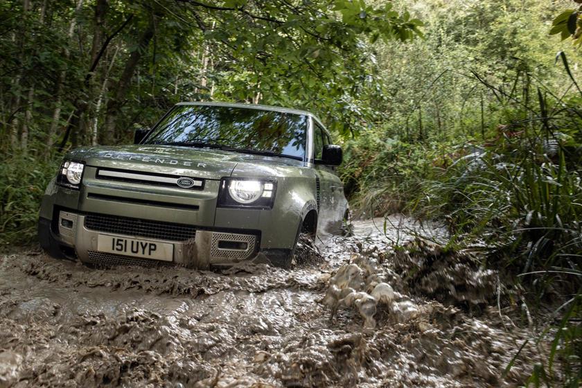 Lộ diện Land Rover Defender 2021 phiên bản tiết kiệm nhiên liệu ai cũng say mê