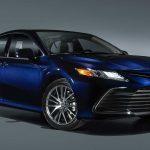 Khám phá chiếc Toyota Camry Hybrid 2021 giá từ 656 triệu
