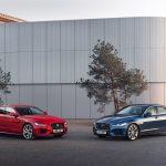 Jaguar XE mới được nâng cấp công nghệ kết nối và bổ sung thêm động cơ lai điện