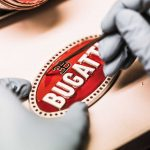 10 bí mật về logo siêu xe Bugatti