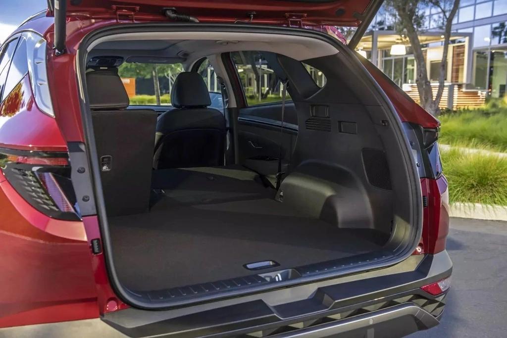 Hyundai Tucson 2022 sẽ mang diện mạo con lai từ các đối thủ lớn