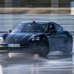Porsche Taycan lập kỷ lục Guiness thế giới về drift xe điện