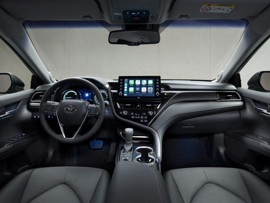 Toyota Camry Hybrid 2021 chính thức được trình làng