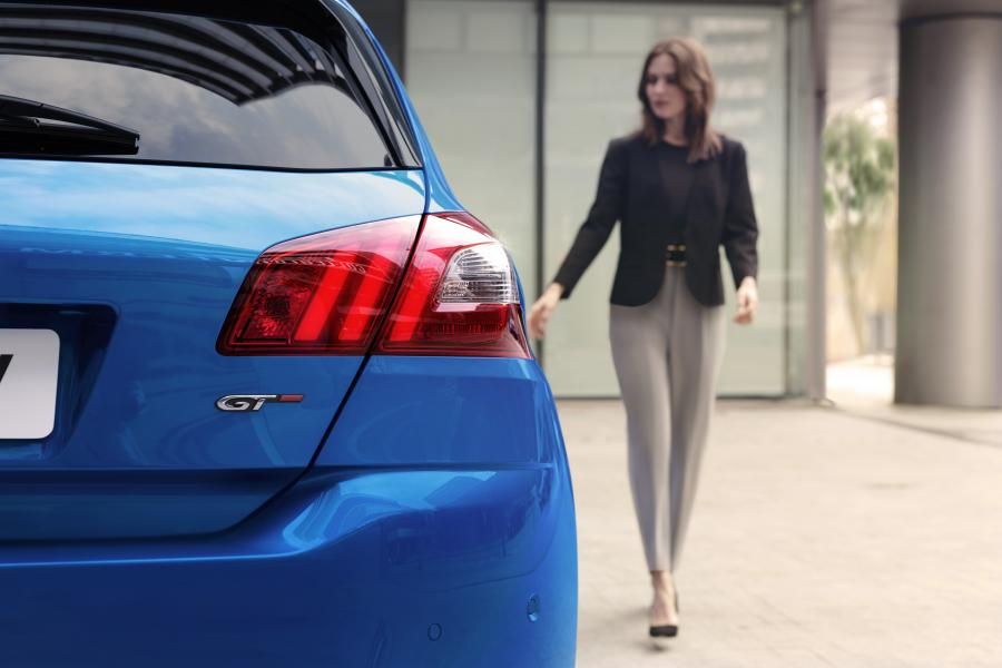 Chính thức lộ diện Peugeot 308 2021, Ford Focus phải dè chừng