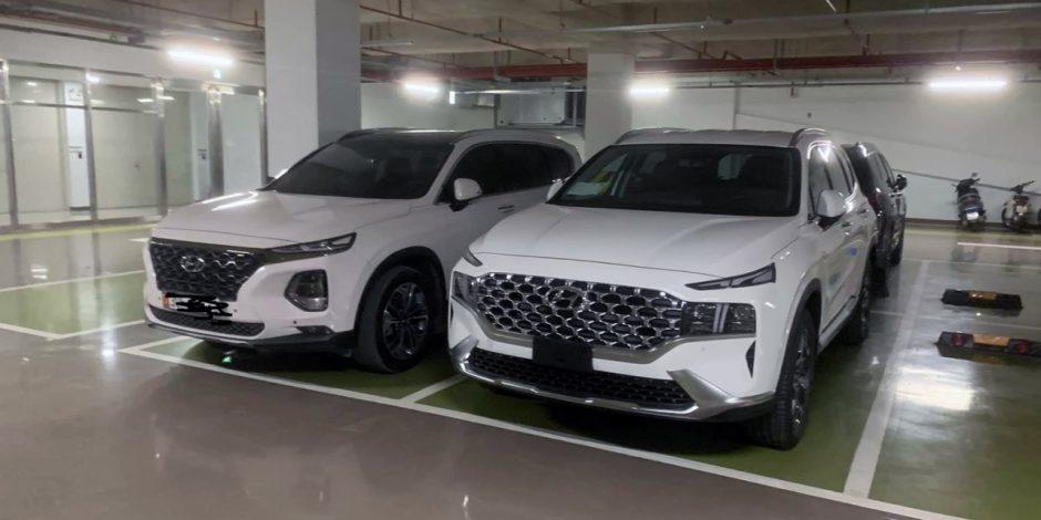 Chiếc Hyundai Santa Fe 2021 trong hầm tòa nhà tại Hà Nội.