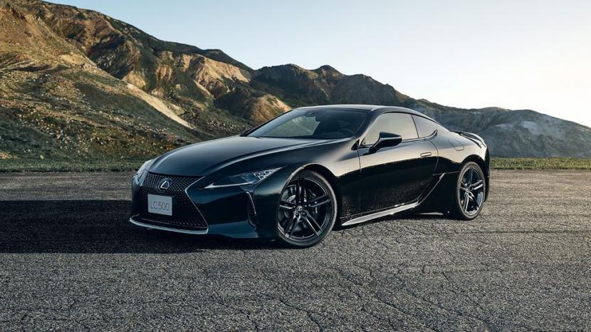 Soi Lexus LC 500 Inspiration Series đời 2021 bản giới hạn 100 chiếc được sản xuất