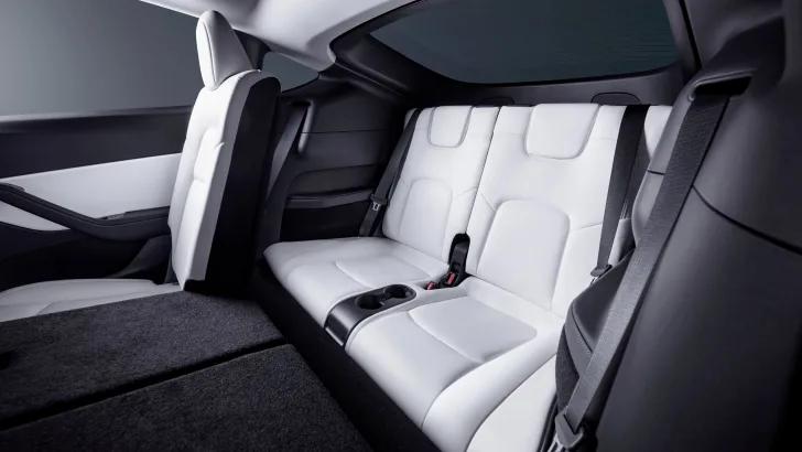 Tesla Model Y 2021 có thêm phiên bản mới, giá gần 1 tỷ có gì đặc biệt?
