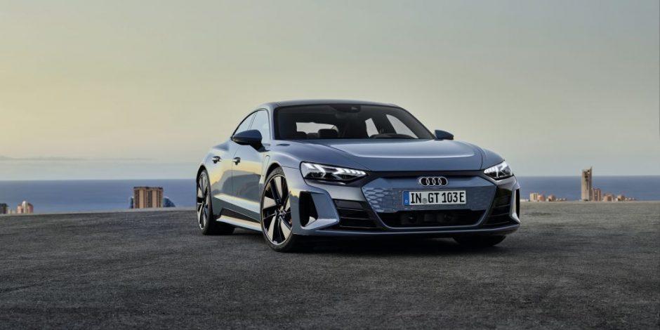 Audi e-tron GT quattro có ngoại hình mềm mại hơn phiên bản RS.
