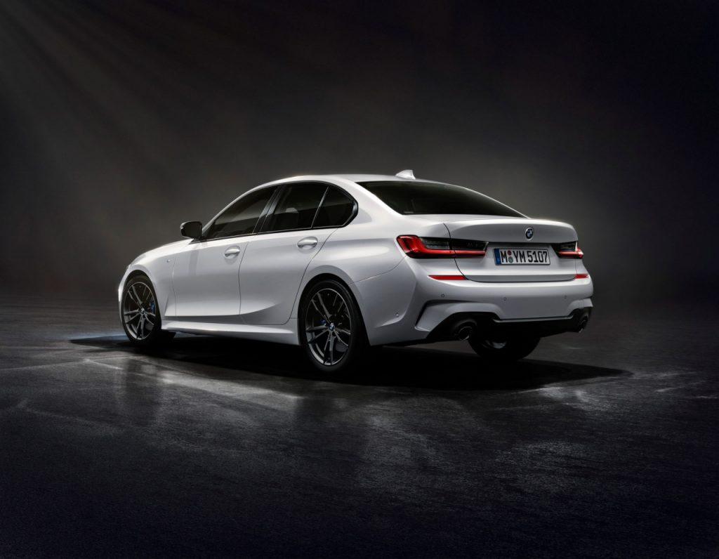 Khám phá BMW 330i bản giới hạn đặc biệt chỉ 200 chiếc được sản xuất