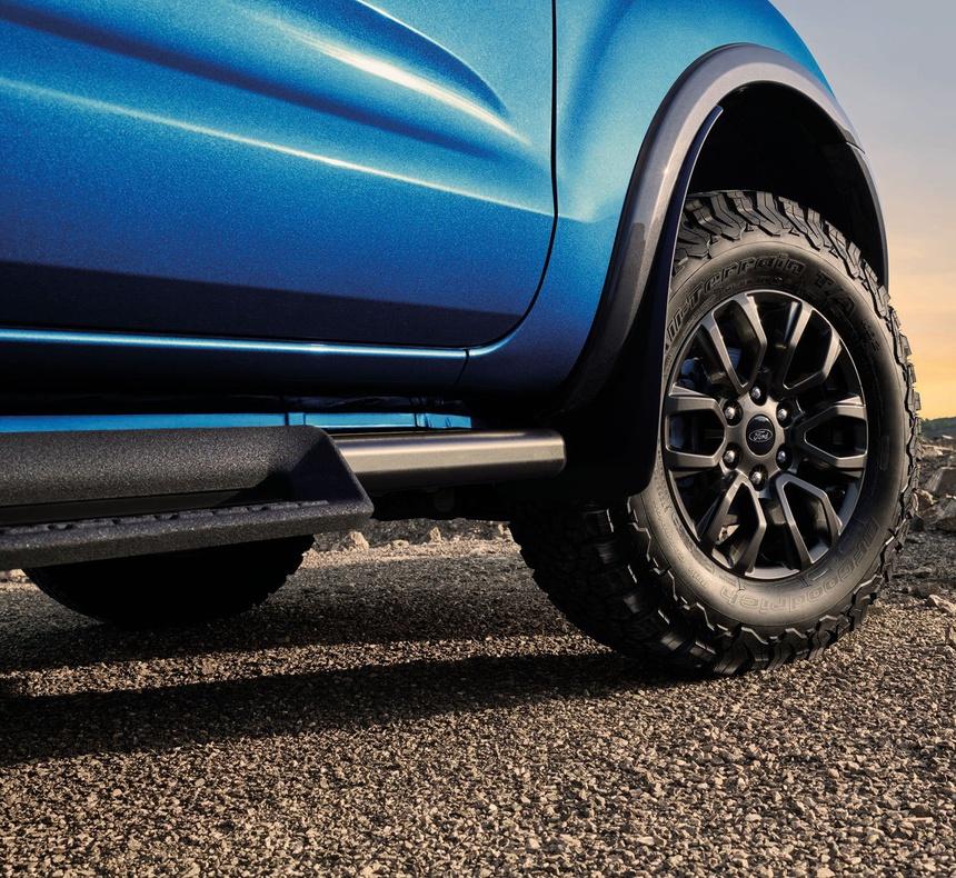 Soi Ford Ranger FX4 Max 2021 vừa có mặt tại Thái Lan xem có gì đặc biệt?